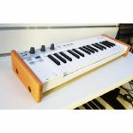 Synths & Wood Solid Oak End Cheeks Stand For Arturia Keystep Controller