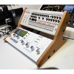 Synths & Wood Oak Veneered End Cheeks Dual Stand For Waldorf Blofeld, Pulse 2 & Roland Boutique Series Synthesiser