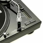 Audio Technica LP120 USB Turntable With AT95E Cartridge & Audacity Audio Production Software (high gloss black) (B-STOCK)