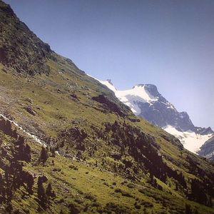 MANO LE TOUGH - Mountains
