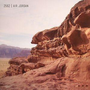 2562 - Air Jordan