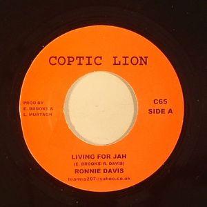 DAVIS, Ronnie - Living For Jah