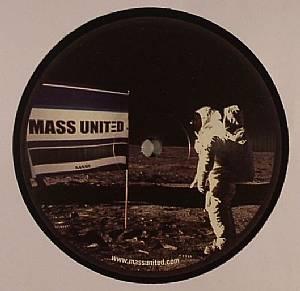 KN/YOSHIRO aka GENKY/CYDEBOARD/DJ 2003 - Mass United 02