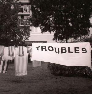 DEXTER - Troubles