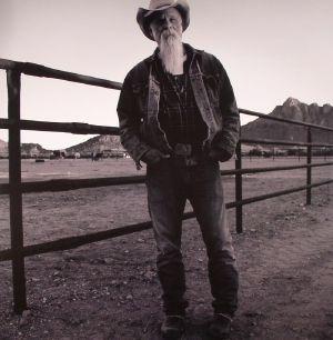 SEASICK STEVE - Keepin' The Horse Between Me & The Ground