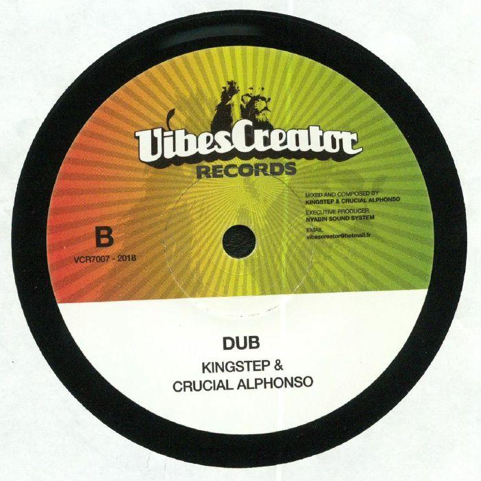 CLARKE, Easton/KINGSTEP/CRUCIAL ALPHONSO - Messenger