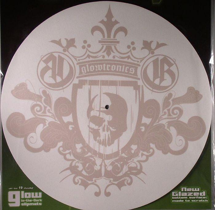 GLOWTRONICS - Glowtronics King Skull Glow In The Dark Slipmats (pair)