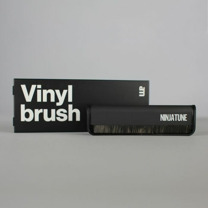 NINJA TUNE - Ninja Tune X AM Clean Sound Vinyl Brush