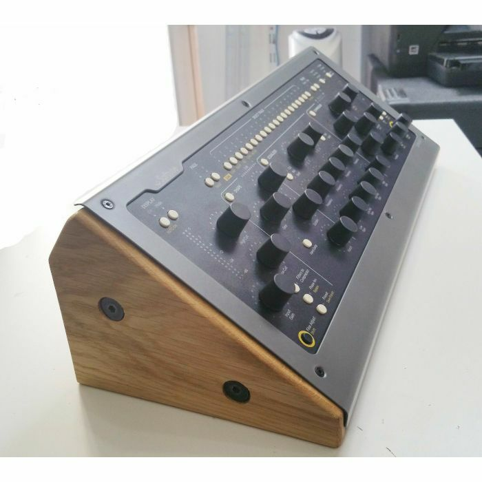 SYNTHS & WOOD - Synths & Wood Solid Oak End Cheeks Stand For Softube Console 1 Mk1 & MK2