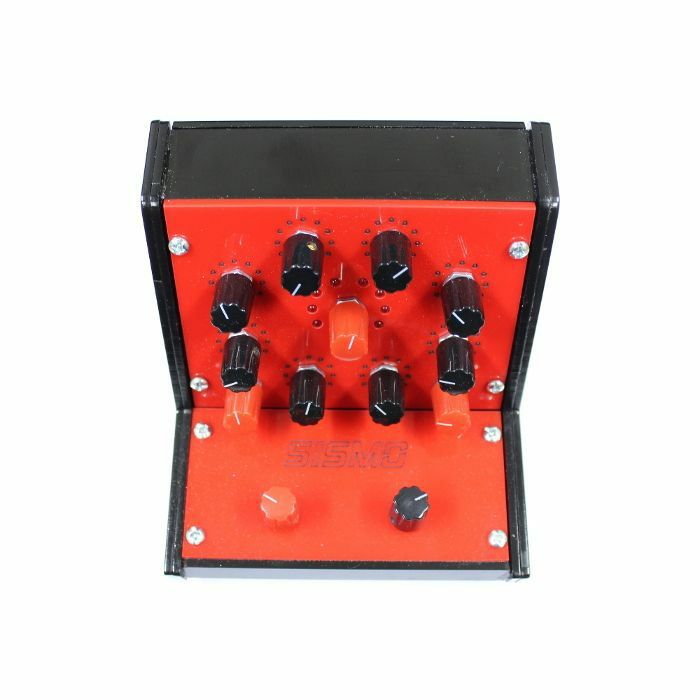 SISMO - Sismo Qadrox Synthesizer & Sequencer (red)