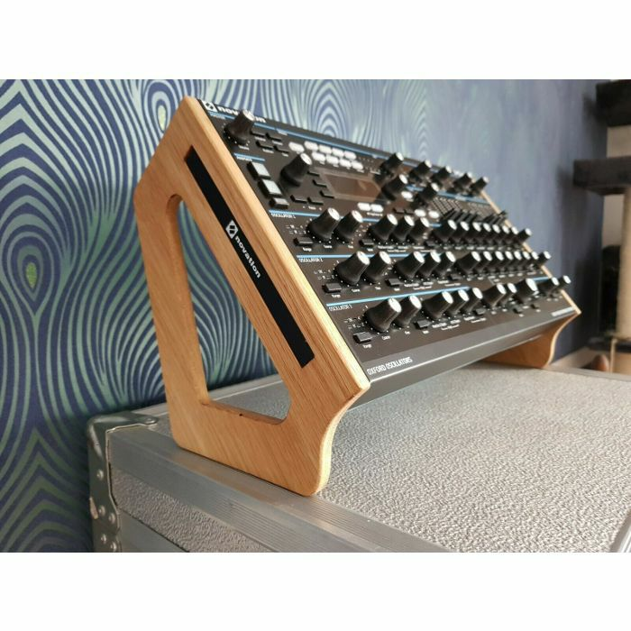 SYNTHS & WOOD - Synths & Wood Solid Oak End Cheeks Dual Angle Stand For Novation Peak Synthesiser