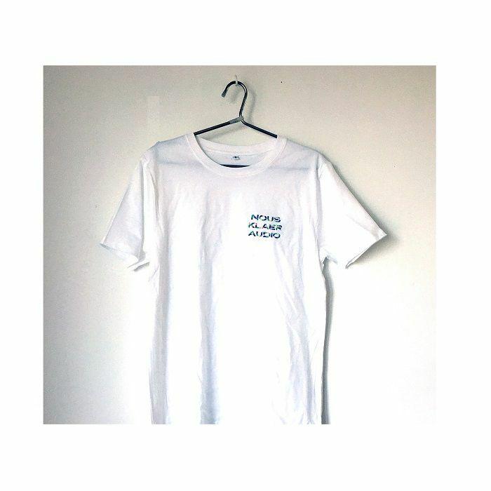 NOUS KLAER AUDIO - Nous Klaer Audio White T-Shirt With Embroidered Multicolour Logo (small)
