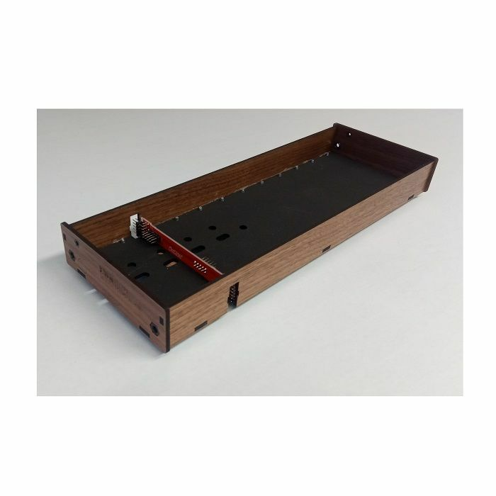 TANGIBLE WAVES - Tangible Waves AE Modular 1-Row 16x1 Standard Walnut Wood Case