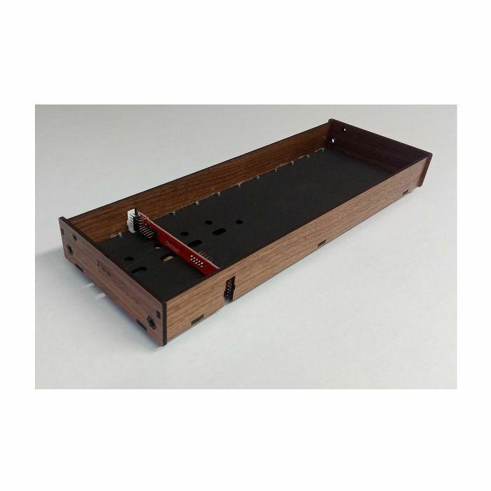 TANGIBLE WAVES - Tangible Waves AE Modular 1-Row 12x1 Narrow Walnut Wood Case